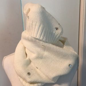 Victoria's Secret Cowl Neck Tub & Hat Set